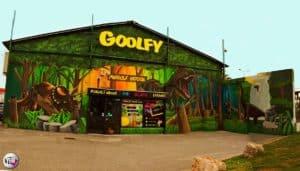 Façade-GOOLFY-deco-mini-golf-pub-billard-karaoke-montpellier-compressor