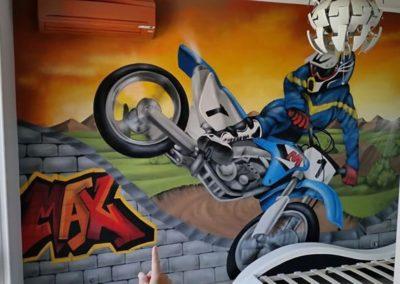 decoration-chambre-enfant-peinture-murale-motocross-compressor