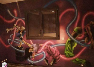decoration-graffiti-chambre-enfant-danseuse-hiphop-compressor
