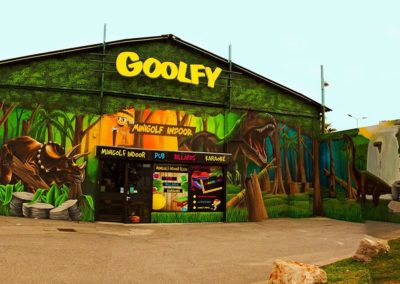 Façade-GOOLFY-deco-mini-golf-pub-billard-karaoke-montpellier-compressor-compressor