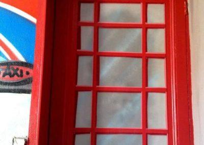 decoration-interieure-porte-cabine-telephonique-compressor